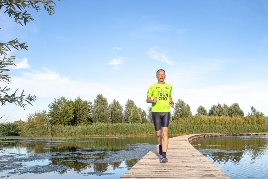Rdamrunningman, Barendrecht, Zuidpolder, Portret van een sporter, Mirjam van Raamsdonk Fotografie